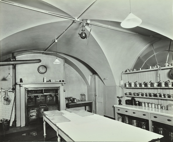 Ceiling「Kitchen At Admiralty House, Westminster, London, 1934」:写真・画像(7)[壁紙.com]