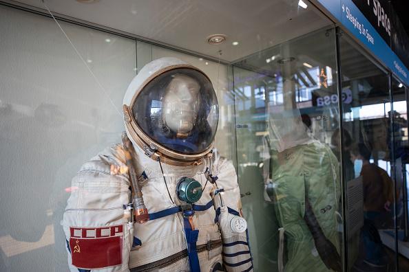 宇宙ステーション「Astronaut Alexander Gerst Final Video Call From ISS Space Station canceled due techical problems」:写真・画像(17)[壁紙.com]