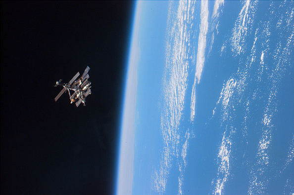 Planet Earth「Mir Space Station Retrospective」:写真・画像(4)[壁紙.com]
