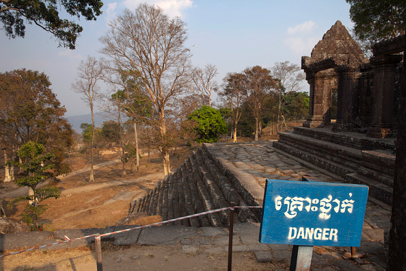 Danger「Thailand And Cambodia Exchange Artillery Fire Over Disputed Temple Site」:写真・画像(12)[壁紙.com]