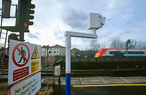 Danger「Danger signs at the edge of a station platform」:写真・画像(12)[壁紙.com]
