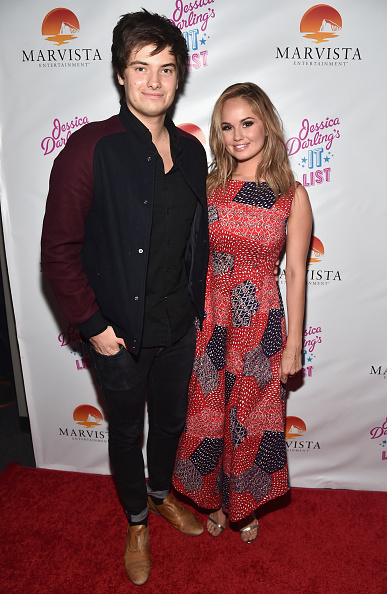 """Fully Unbuttoned「Premiere Of Marvista Entertainment's """"Jessica Darling's It List"""" - Pre-Reception And Red Carpet」:写真・画像(0)[壁紙.com]"""