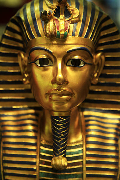 Replica of Tutankhamun's mask:スマホ壁紙(壁紙.com)