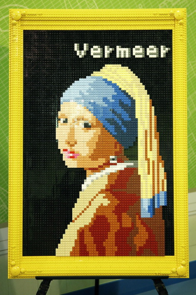 Painted Image「Lego Build 'Girl With A Pearl Earring'」:写真・画像(4)[壁紙.com]