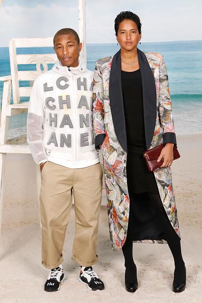 Two People「Chanel : Photocall - Paris Fashion Week Womenswear Spring/Summer 2019」:写真・画像(13)[壁紙.com]