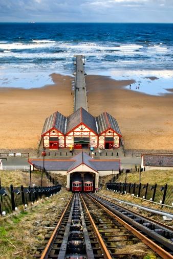 Cable Car「Tram tracks leading to beach, Saltburn, North Yorkshire, England」:スマホ壁紙(18)