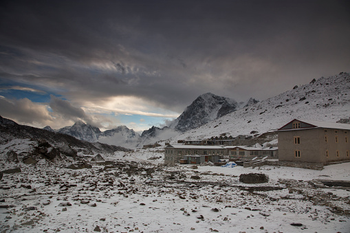 Khumbu Glacier「Village houses, Lobuche, Everest Base Camp Trek, Nepal」:スマホ壁紙(11)