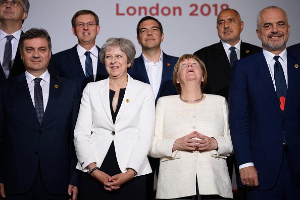 Ceiling「Theresa May Hosts The Balkans Summit」:写真・画像(17)[壁紙.com]