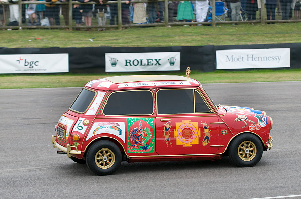 Small「1967 Austin Mini Cooper S owned by Beatle George Harrison」:写真・画像(10)[壁紙.com]