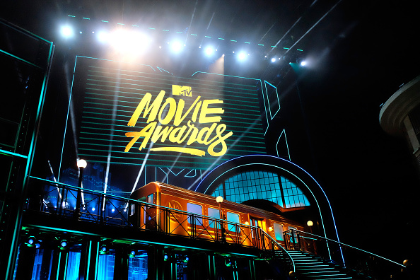 見せる「2016 MTV Movie Awards - Show」:写真・画像(16)[壁紙.com]