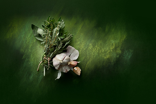 Twig「Seasoning: Bouquet Garni and Garlic Still Life」:スマホ壁紙(9)