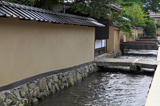 戦国武将「Myojin river running in samurai residence, Kyoto city, Kyoto Prefecture, Honshu, Japan」:スマホ壁紙(4)