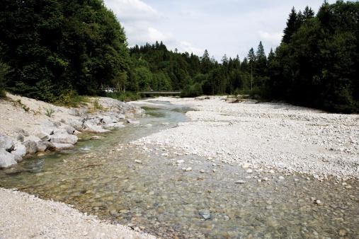 Riverbed「Germany, Bavaria, empty riverbed」:スマホ壁紙(14)