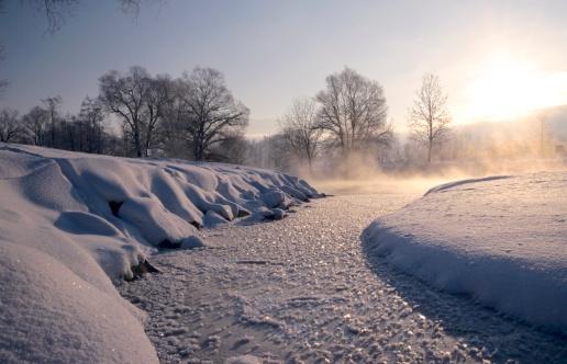 雪景色「Germany, Bavaria, Lakeside view in winter」:スマホ壁紙(11)