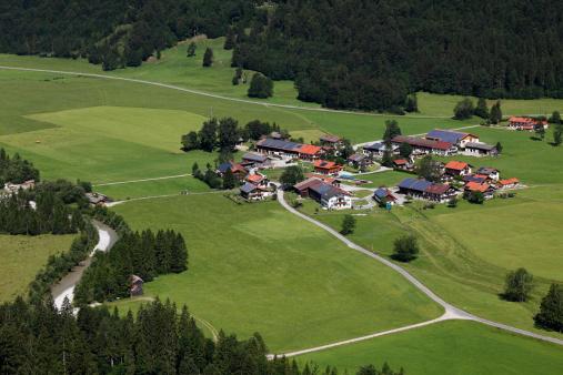 Jachenau「Germany, Bavaria, Upper Bavaria, View of Jachenau」:スマホ壁紙(2)