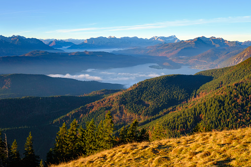 Jachenau「Germany, Bavaria, Jachenau, view from Hirschhoernlkopf towards Walchensee and Wetterstein mountains」:スマホ壁紙(4)