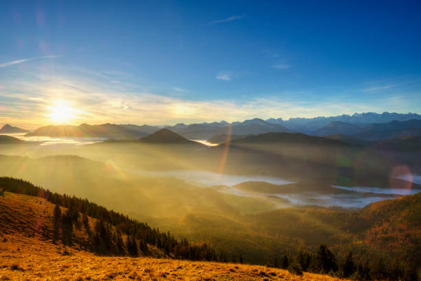 Germany, Bavaria, Jachenau, view from Hirschhoernlkopf at sunrise:スマホ壁紙(壁紙.com)