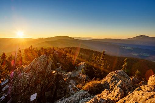 Bavarian Forest「Germany, Bavaria, Upper Palatinate, Bohemian Forest, Border Czechia, Bavarian Forest, Grosser Osser near Lam at sunrise」:スマホ壁紙(9)