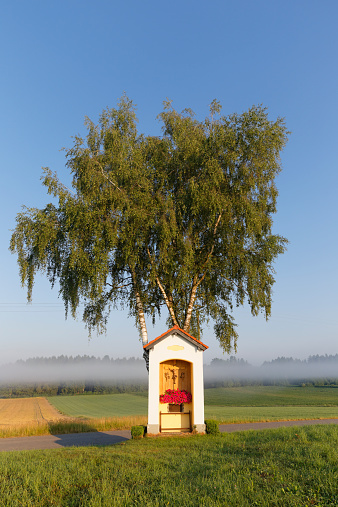 Camino De Santiago「Germany, Bavaria, chapel near Edling on Way of St. James」:スマホ壁紙(9)