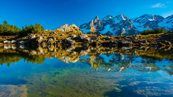 European Alps「Germany, Bavaria, Allgaeu, View from Gugg lake to Allgaeu Alps, Central main ridge, Panorama」:スマホ壁紙(19)