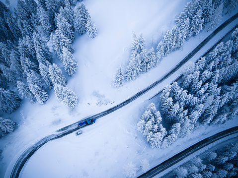雪「Germany, Bavaria, Rossfeldstrasse, alpine road and snowplough in winter」:スマホ壁紙(0)