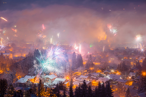 Ski Resort「Germany, Bavaria, Oberstdorf, Fireworks at New Year's Eve」:スマホ壁紙(6)