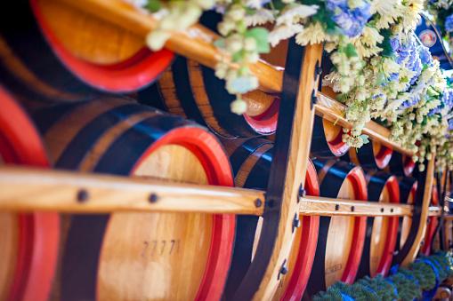 Munich「Germany, Bavaria, Munich, wooden barrels on cart at Oktoberfest」:スマホ壁紙(14)