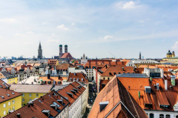Germany, Bavaria, Munich, City Center and Cathedral of Our Lady:スマホ壁紙(壁紙.com)