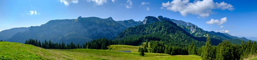 Bavarian Prealps「Germany, Bavaria, Arzbach, Scenic panorama of Benediktenwandridge」:スマホ壁紙(9)