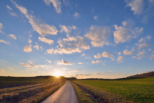Country Road「Germany, Bavaria, Sunset with small rural road through fields」:スマホ壁紙(1)