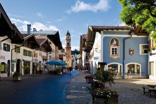 Pedestrian Zone「Germany, Bavaria, Mittenwald, Pedestrian area」:スマホ壁紙(2)