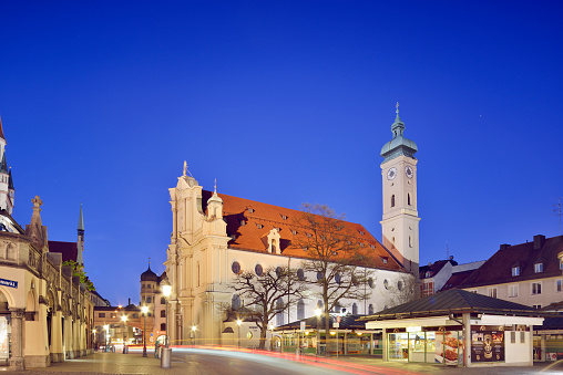 Munich「Germany, Bavaria, Munich, Holy Spirit Church on Viktualienmarkt」:スマホ壁紙(16)