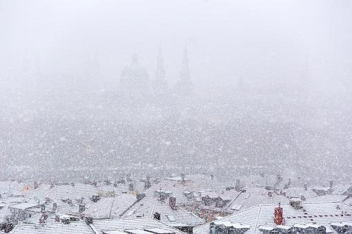 Snowdrift「Germany, bavaria, wuerzburg, City view and snowfall」:スマホ壁紙(5)