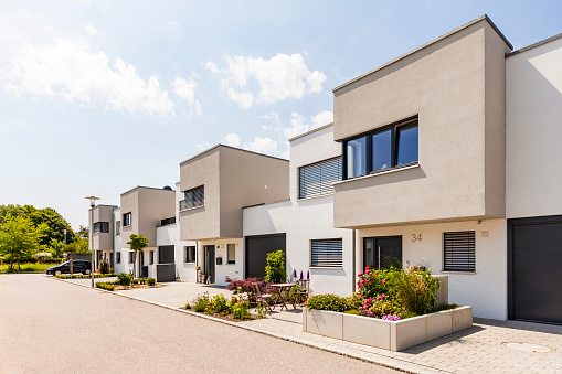 Building Exterior「Germany, Bavaria, Neu-Ulm, modern one-family houses, efficiency houses」:スマホ壁紙(8)