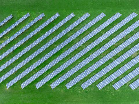 Solar Energy「Germany, Bavaria, aerial view of solar panels」:スマホ壁紙(9)