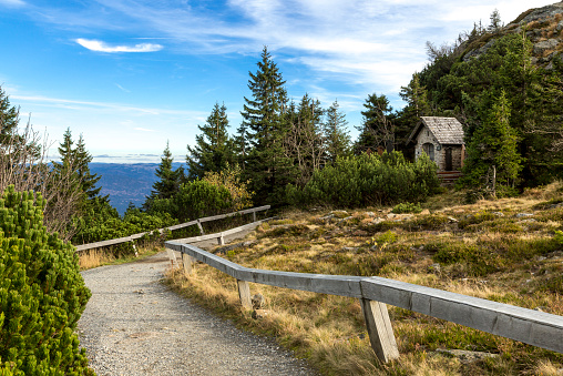 Bayerischer Wald National Park「Germany, Bavaria, Bavarian Forest National Park, Great Arber, Chapel」:スマホ壁紙(8)