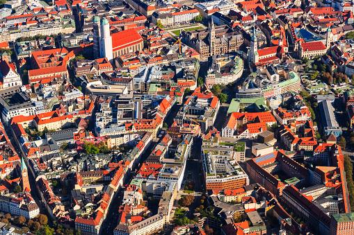 Munich「Germany, Bavaria, Munich, Aerial view of old town」:スマホ壁紙(14)