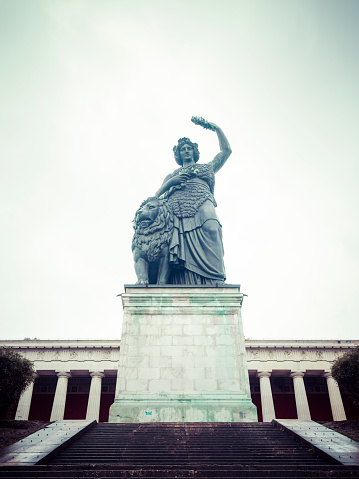 Auto Post Production Filter「Germany, Bavaria, Munich, Ruhmeshalle with Bavaria Statue」:スマホ壁紙(16)