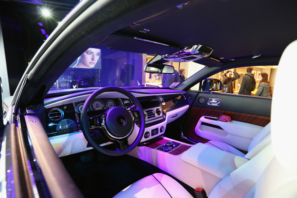 New「The Rolls-Royce Wraith Makes Its First Appearance In The UK In Harrods」:写真・画像(13)[壁紙.com]