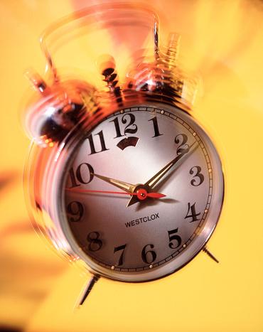 Multiple Exposure「Ringing alarm clock」:スマホ壁紙(3)