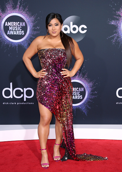 Evening Gown「2019 American Music Awards - Arrivals」:写真・画像(7)[壁紙.com]