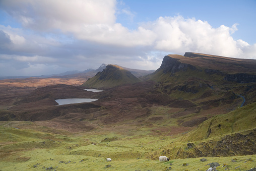 スコットランド文化「UK, Scotland, Isle of Skye, Trotternish Peninsula, view across valley」:スマホ壁紙(18)