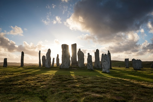 Archaeology「UK, Scotland, Isle of Lewis, Callanish, view to formation of standing stones at backlight」:スマホ壁紙(19)