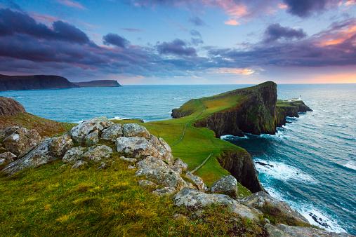 Isle of Skye「Scotland, Isle of Skye, Neist Point, Scenic view of coastline」:スマホ壁紙(11)