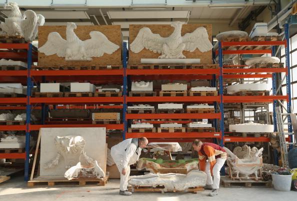 Silicon「Artisans Prepare Elements Of New Berliner Schloss」:写真・画像(3)[壁紙.com]