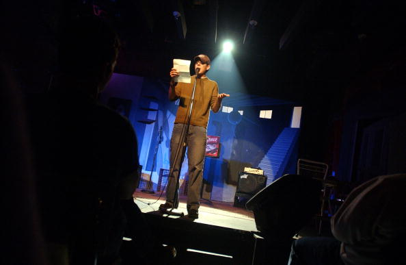 Poetry- Literature「Poetry Slam At The Bowery Poetry Club」:写真・画像(1)[壁紙.com]