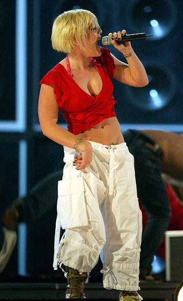 MGM Grand Garden Arena「The 2003 BillBoard Music Awards - Show」:写真・画像(8)[壁紙.com]