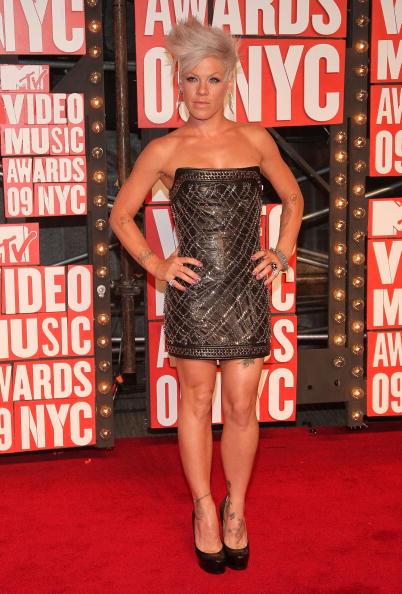 Pink Color「2009 MTV Video Music Awards - Arrivals」:写真・画像(10)[壁紙.com]