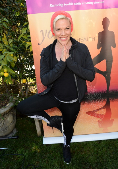 Breast「Kate Beckinsale Yoga Fundraiser Benefiting The Margie Petersen Breast Center At Saint John's」:写真・画像(19)[壁紙.com]