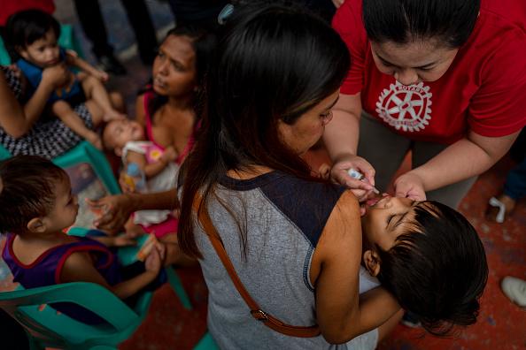 Polio「Mass Polio Vaccination In The Philippines」:写真・画像(14)[壁紙.com]
